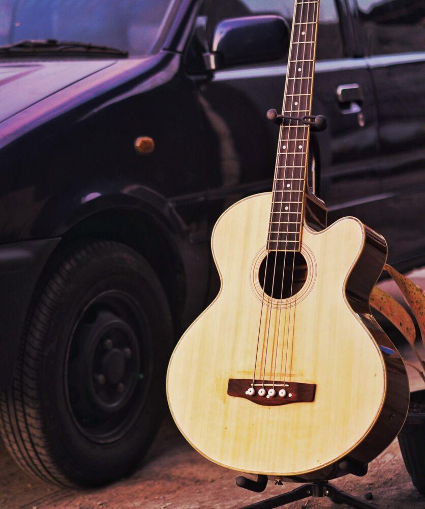 Akustik Bass Gitarre